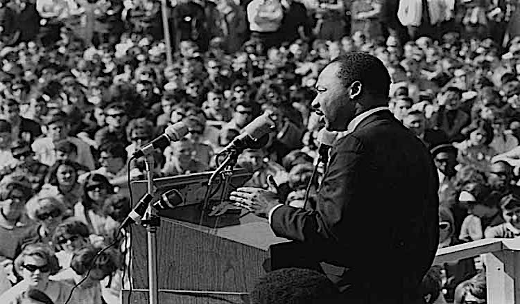Photo: Dr Martin Luther King, Jr., speaking against the Vietnam War, St. Paul Campus, the University of Minnesota in St. Paul, April 27, 1967. CC BY-SA 2.0. Wikimedia Commons.