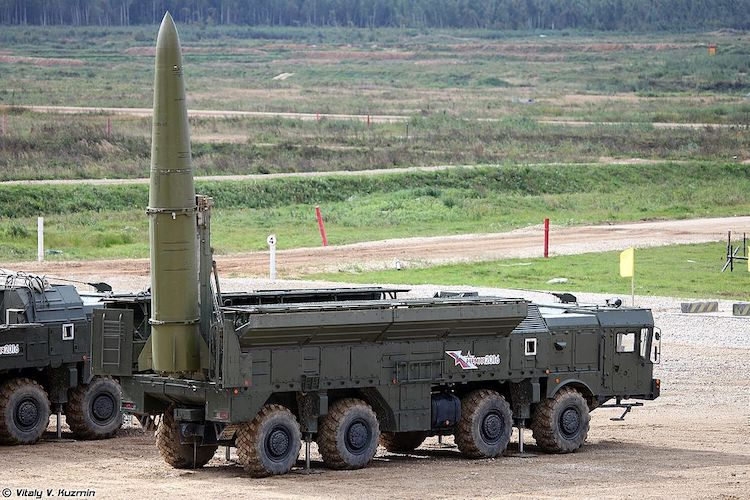 Photo: Russian Iskander-M SRBM system with 9M723K5 missiles. CC BY-SA 4.0